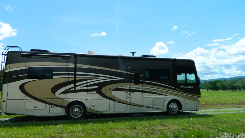 2014 Thor Motor Coach Palazzo 33.3 For Sale By Owner   Hayesville, NC