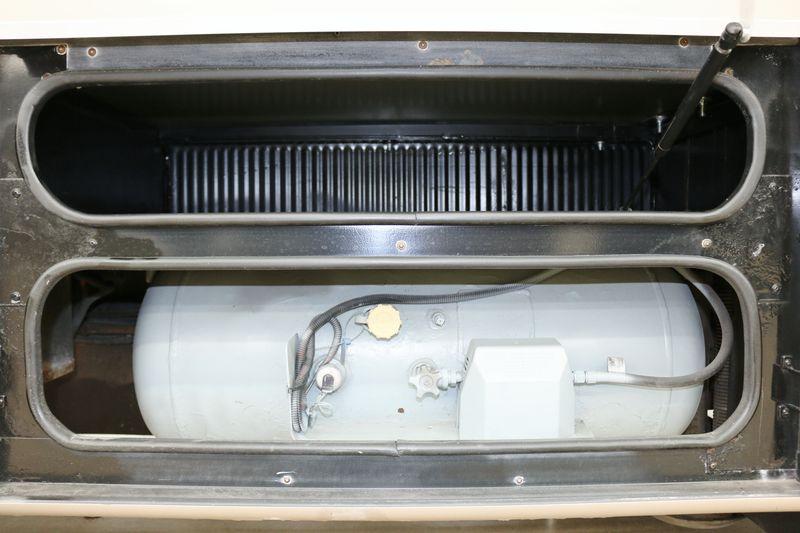 2002 Fleetwood Bounder 36S
