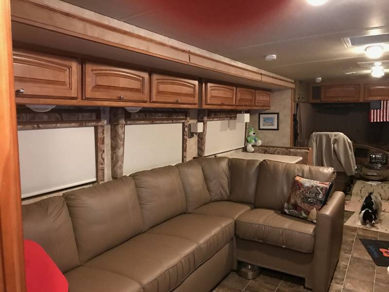 2011 Winnebago Vista 35F