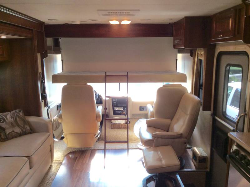 2014 Forest River Georgetown 328TSF