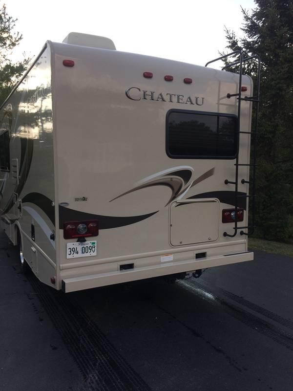 2016 Thor Motor Coach Chateau 23U