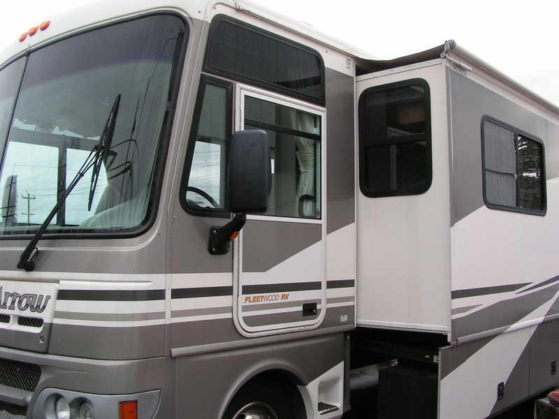 2002 Fleetwood Pace Arrow 37A