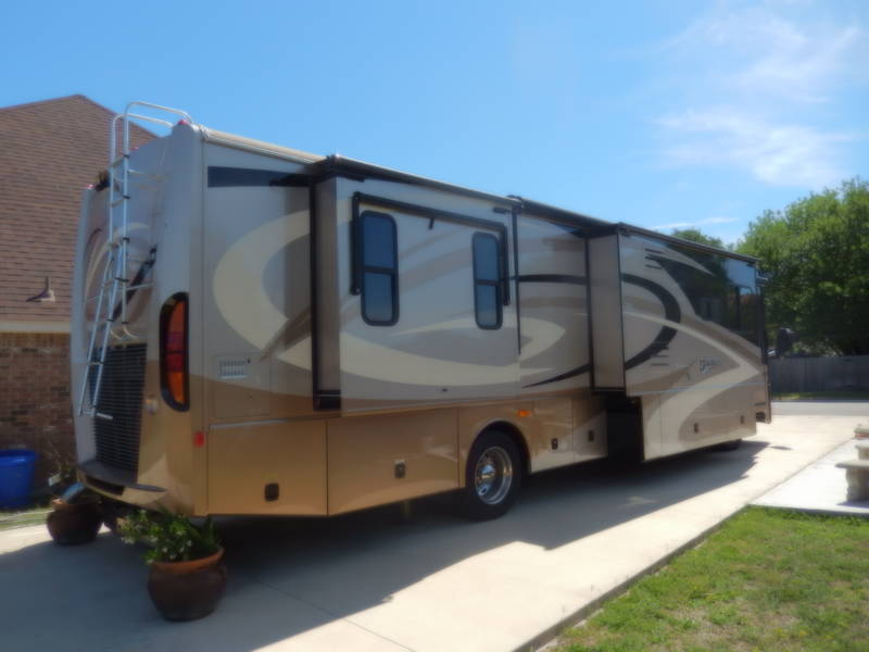 2007 Fleetwood Discovery 39L