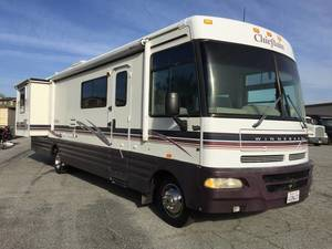1999 Winnebago Chieftain 34Y