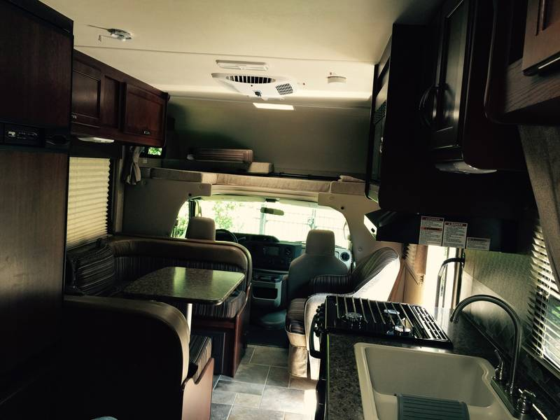 2016 Thor Motor Coach Freedom Elite 23H