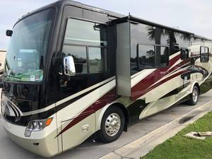 2014 Tiffin Allegro Breeze 32BR