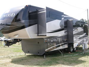 2013 Redwood RV  31SL