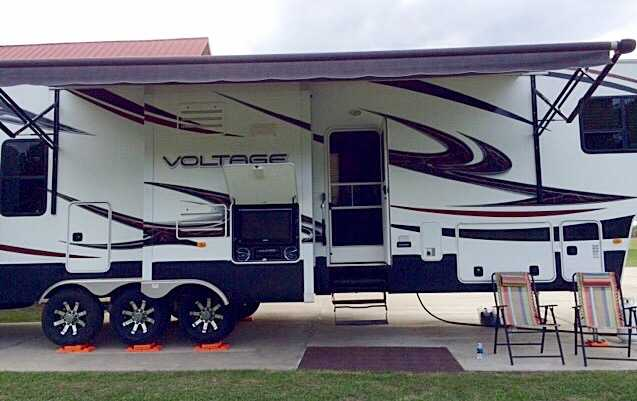 2012 Dutchmen Voltage 3950