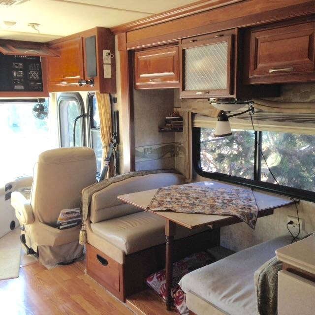 2006 Fleetwood Discovery 35H