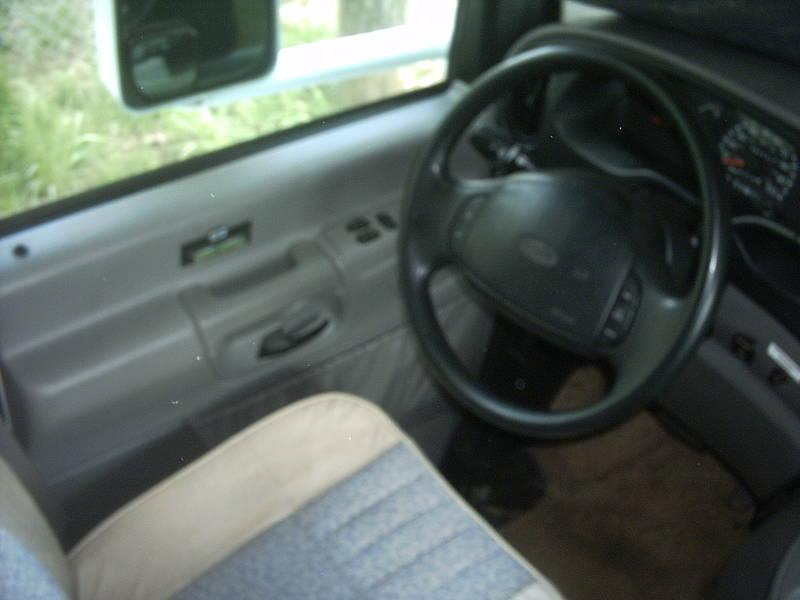 1997 Coachmen Santara 302SA