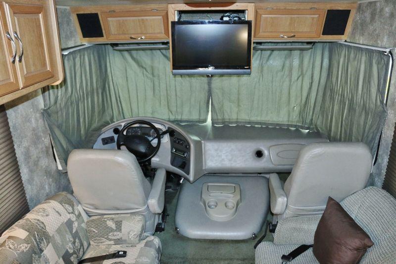 2006 Coachmen Mirada 300QB