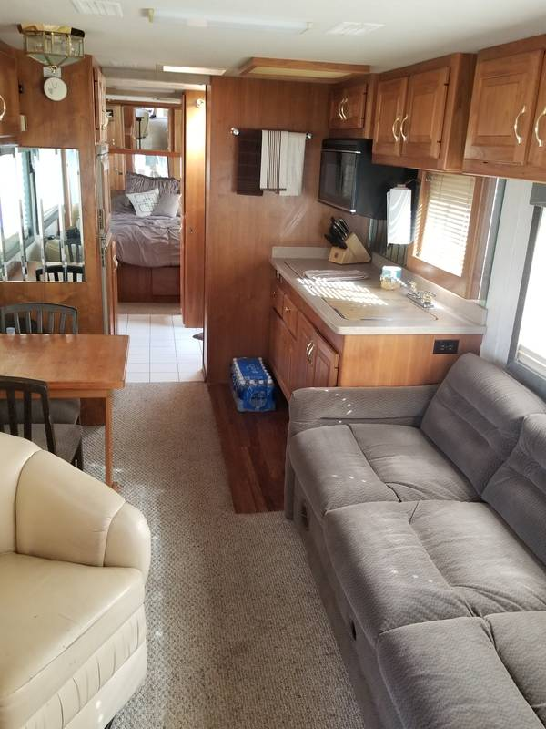 1995 Country Coach Affinity Intrigue