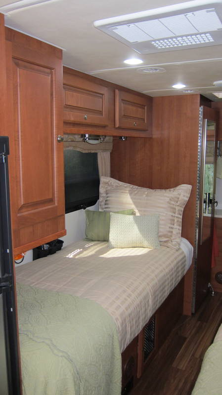 2015 Coach House Platinum II 241XL