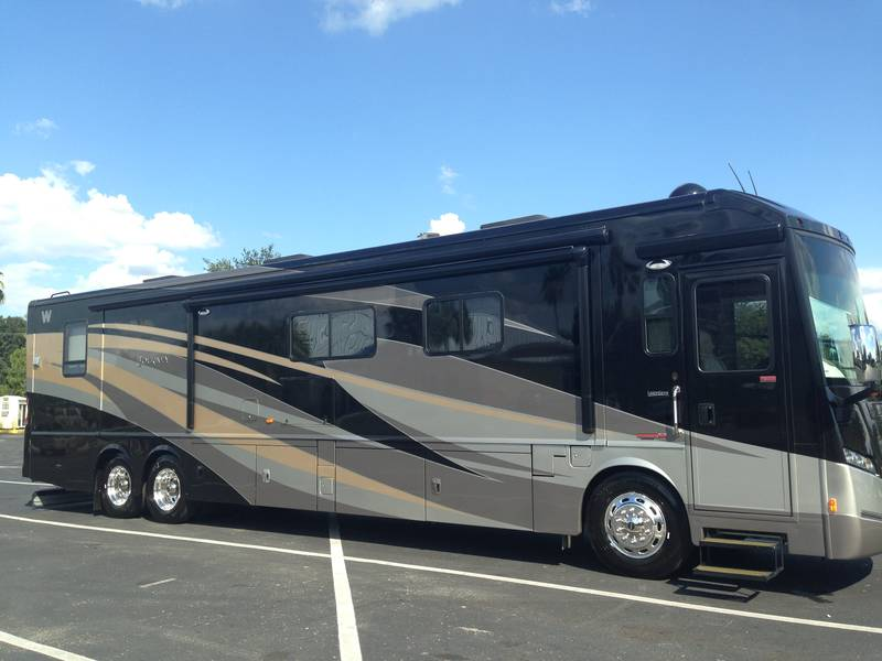 2013 Winnebago Journey 42E