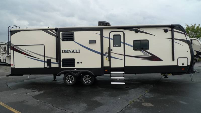 2017 Dutchmen Denali 318RB