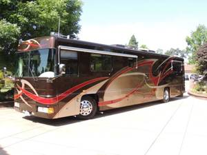 2000 Foretravel Motorcoach  200