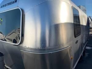 2006 Airstream  23 SAFARI 75TH Anniversary Edition