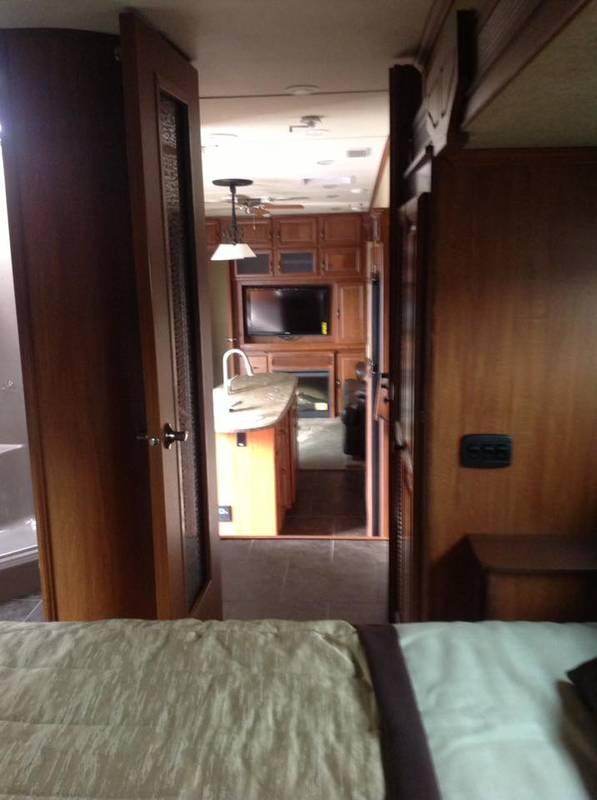 2013 Redwood RV Redwood 38BR