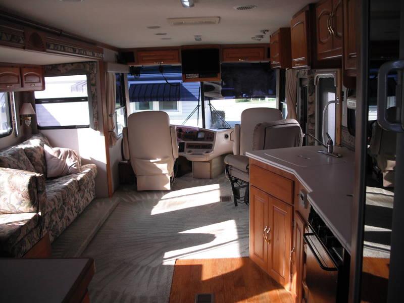 2000 Coachmen Santara 370MBS