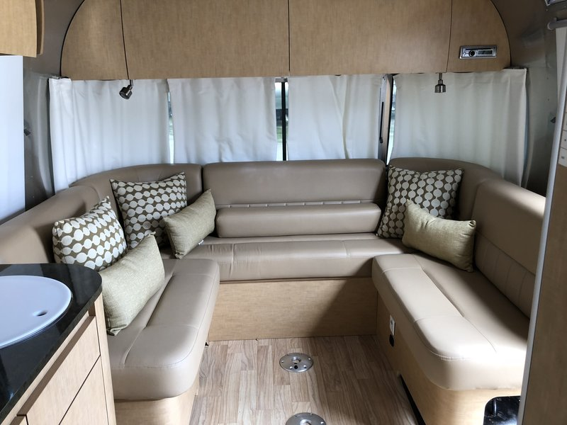 2016 Airstream Airstream Flying Cloud