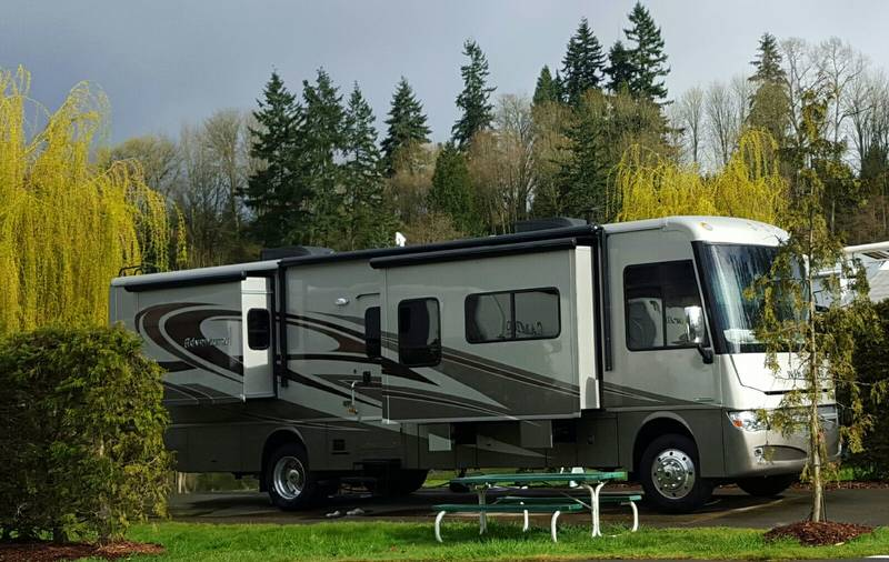2015 Winnebago Adventurer 37F