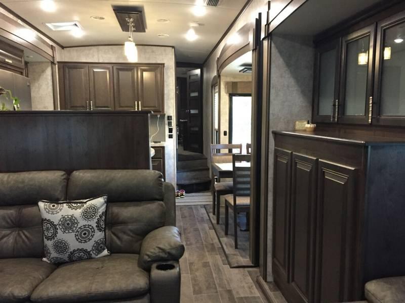 2017 Highland Ridge 3X 375RDS