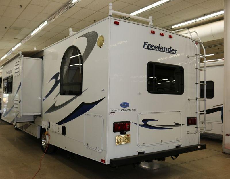 2009 Coachmen Freelander 2600