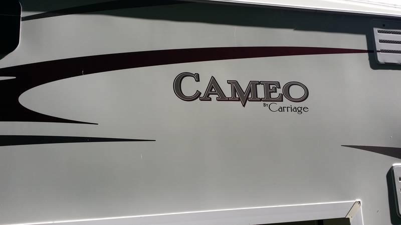 2010 Carriage Cameo 36FWS