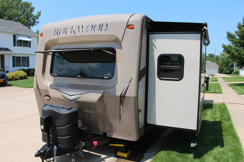 2016 Forest River Rockwood Signature Ultra Lite 8329SS