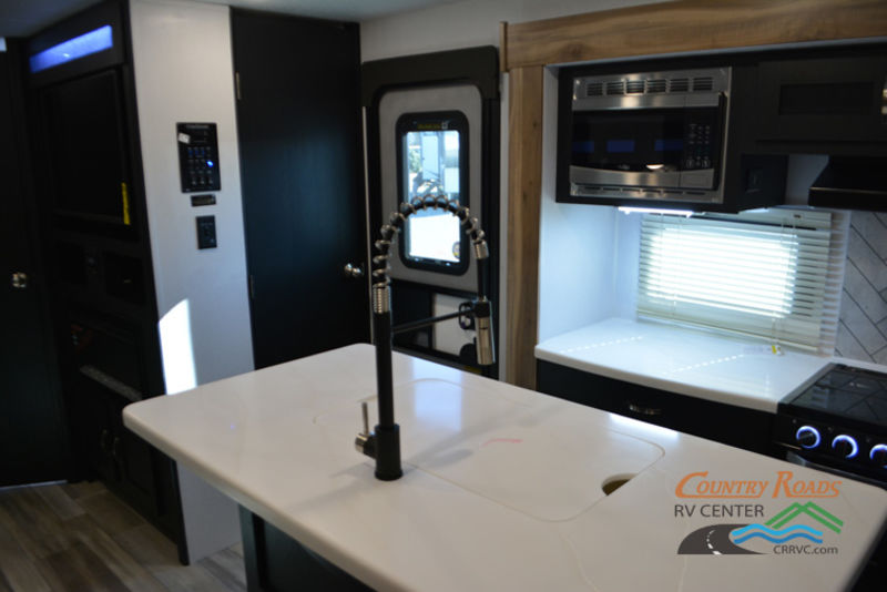 2019 Coachmen Freedom Express Liberty Edition 320BHDSLE