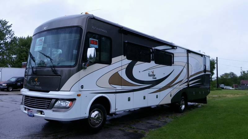 2012 Fleetwood Bounder Classic 36R
