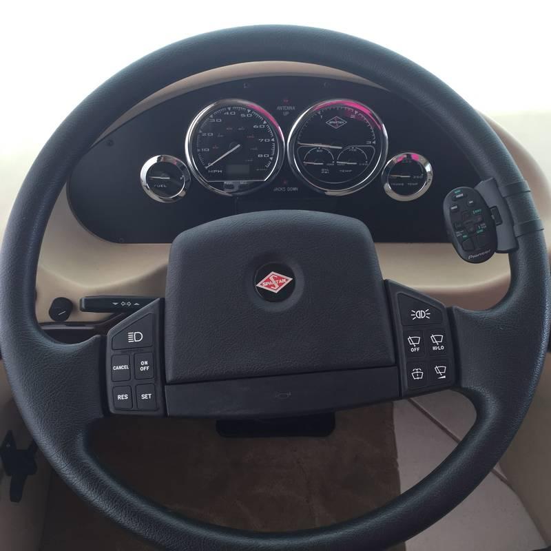 2003 Newmar Essex 4372