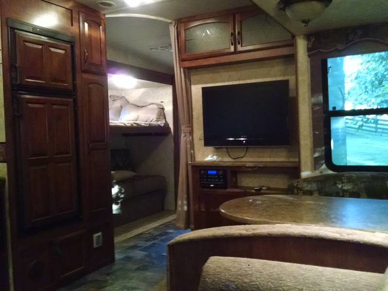 2010 Coachmen Chaparral 299TSB