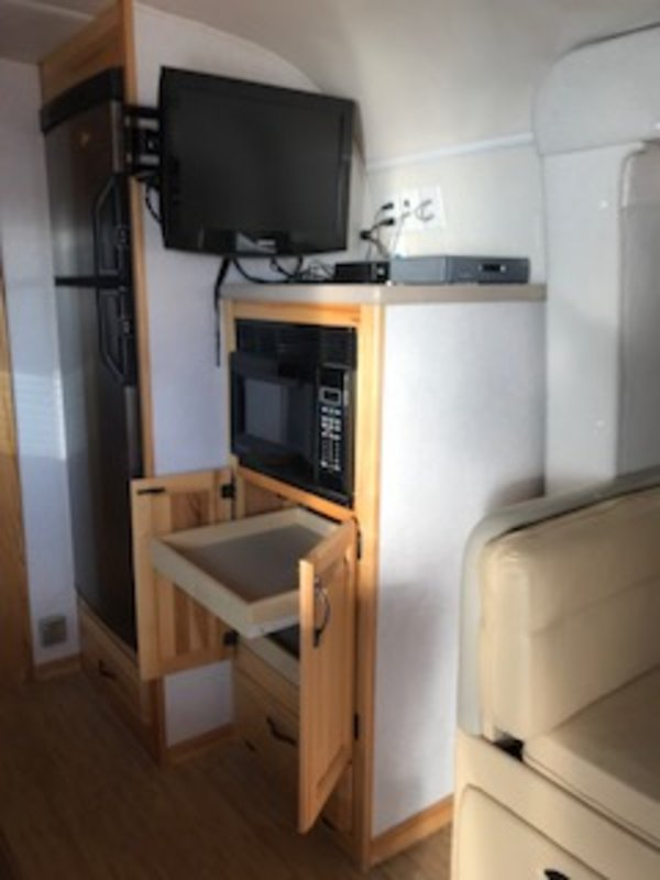 2008 Airstream Classic Limited 34 Slideout