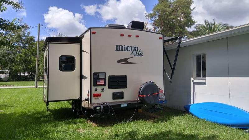2015 Forest River Flagstaff Micro Lite 21DS