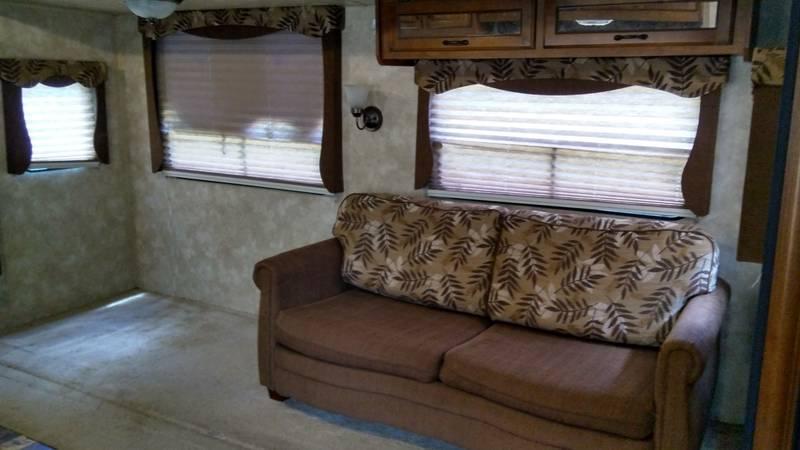 2013 Coachmen Catalina Deluxe Edition 29RKS