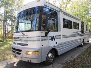 2001 Winnebago Chieftain 36