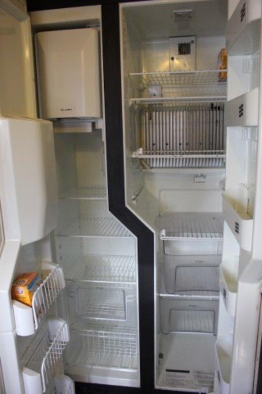 2004 Custom Semi-Trailer 3 Bedroom
