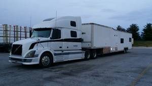 2004 Custom Semi-Trailer 3 Bedroom