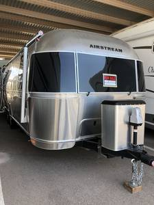 2017 Airstream International 27FB