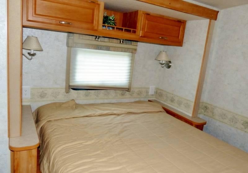 2006 Winnebago Voyage 35A