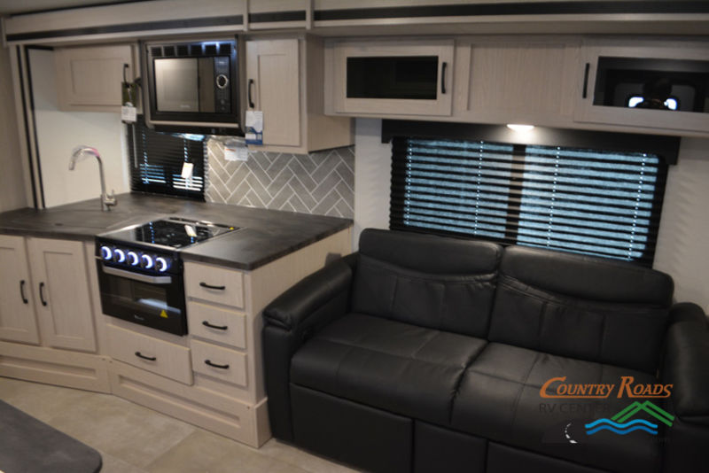 2018 Coachmen Apex 300BHS Summit