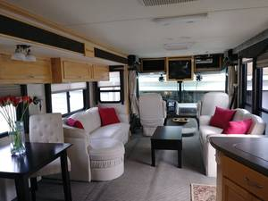 2003 Fleetwood Pace Arrow 37A Workhorse