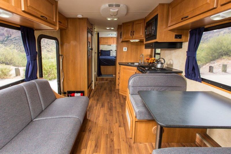 2013 Thor Motor Coach Majestic 28A