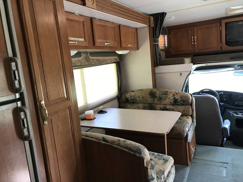 2003 Coachmen Freelander 279