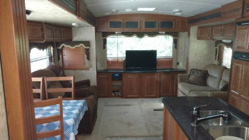 2013 Keystone Cougar High Country 321 RES