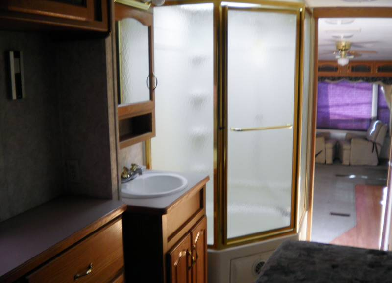 2003 Keystone Montana 3670RL