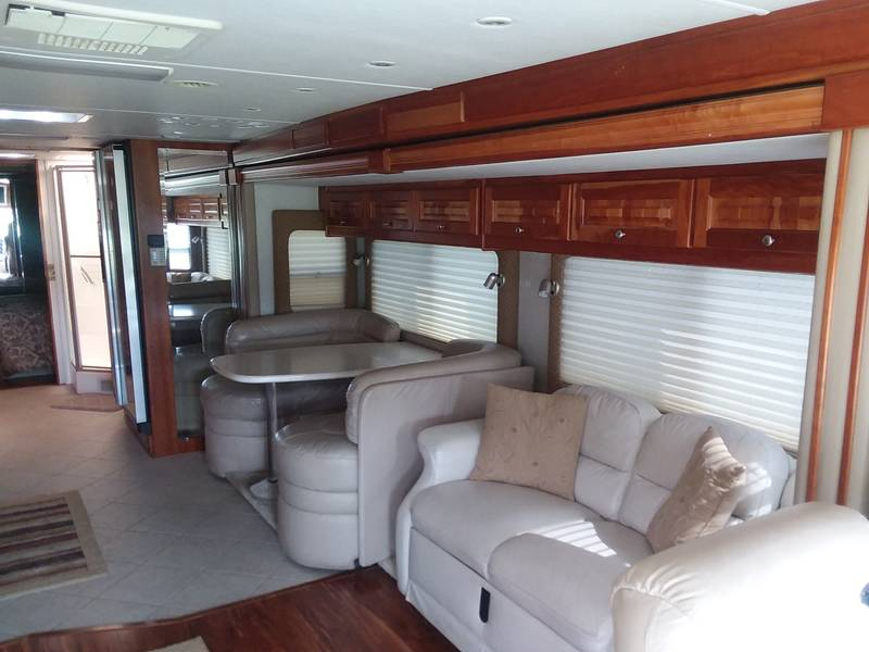 2005 Forest River Tsunami 4104QS