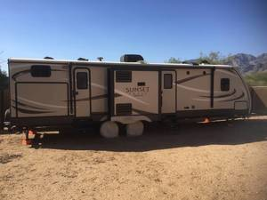 2017 CrossRoads Sunset Trail Super Lite 320BH