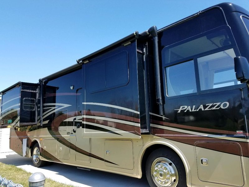 2015 Thor Motor Coach Palazzo 35.1 for sale by Owner - Howell, MI